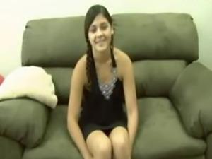 Amateur Cute Arab Teen from UAE first Time Virgin Defloration sex