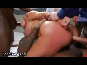Double penetrated babe in clinic free