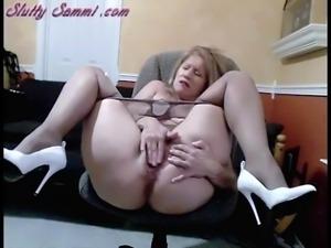 Pantyhose Slutty Sammi Opens Wide And Masturbates