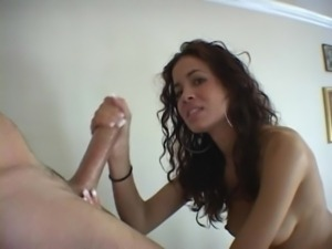 Stunning Latina gives amazing h ... free