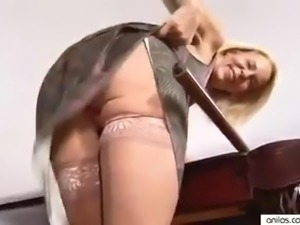Mature cougar hairy wet pussy