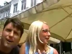 2 Beautiful girls fuck in public
