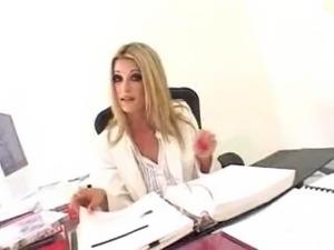 White hot Lauren Kain takes on Mandingo