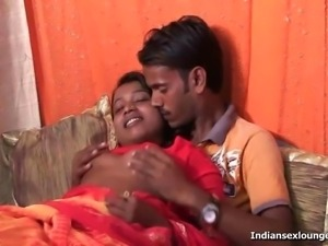 Gorgues Indian Sonia Fuck Raj in (HD)