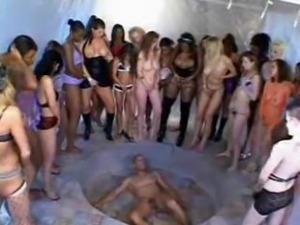 1 Man Lickes Around 50 Girls Pussy