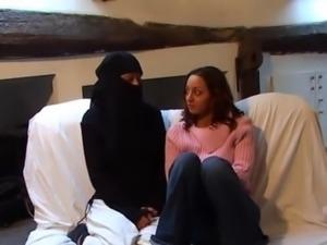 vporn defloration arabe