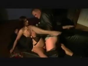 cuckold 3some
