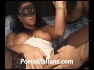 Moglie italiana figa pelosa bagnata trombata da marito cazzone italiano -...