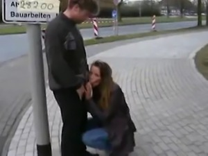 Geile Aktion auf der Straße, in der Bahn und an der Bushaltestelle! Mit...