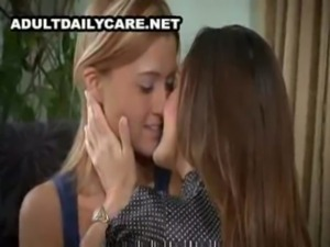 Beautiful Mature Lesbian Seduces Young Girl - Michelle and Ginger Lee free