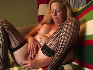 lustful mature mom meeting her satisfaction