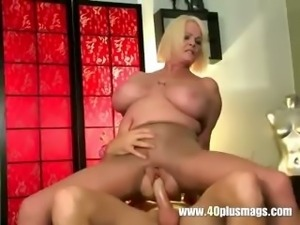 Busty mature mom in ripped nylon