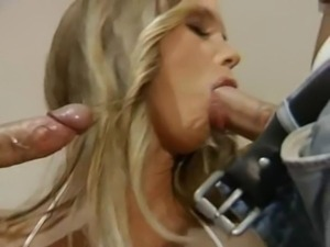 Big Boobs Babe fucked by 2 guy - Annina Ucatis free