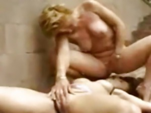 Outdoor Lesbian Squirtfest