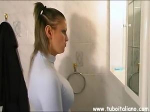 Italian Amateur Maiala Vuoke 2 Cazzi free