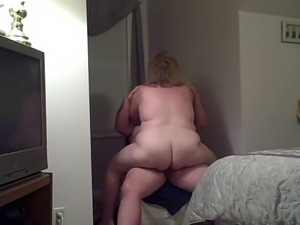 my bbw wife fucking me on a chair, i came real fast.