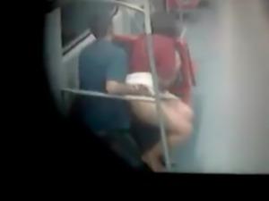 Casal fazendo sexo no trem da cptm free