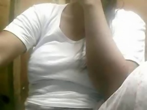 51 YEAR OLD FILIPINA MOM SHOWING HER HUGE BOOBS