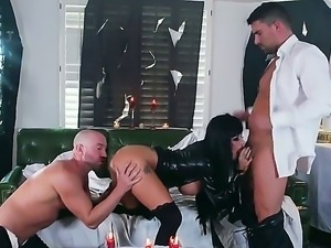 Joslyn James and Will Powers are getting their hard male rods pleasured by...