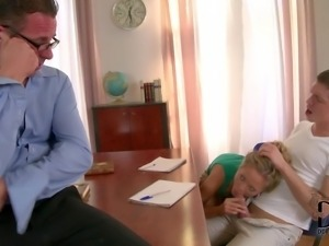Teacher catches Vanda sucking cock behind his back under the