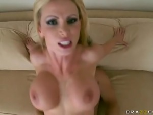 Big breasted experienced blonde pornstar Nikki Benz can't live a