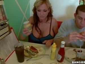 Busty and arousing blonde hottie Nikki Sexx enjoys in spending