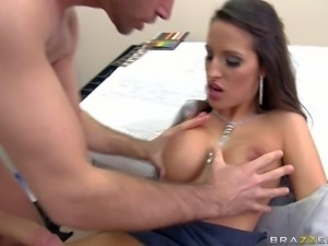 Steaming hot brunette Kortney Kane with perfect round hooters and