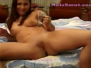 Sexy Girl Shaving Her Nice Pussy