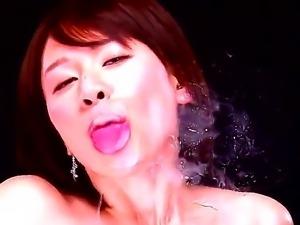 Yuzuka Kinoshita enjoys giving a wonderful asian solo masturbation scene