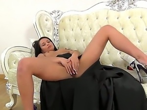Enjoy erotic solo performance of glamourous spicy brunette babe Kristall Rush