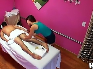 Gina pleases male Johnny corizo with amazing massage and deep oral session