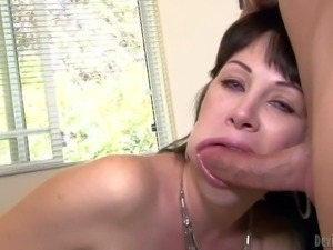 Hot dark haired milf Rayveness with juicy tits looks great