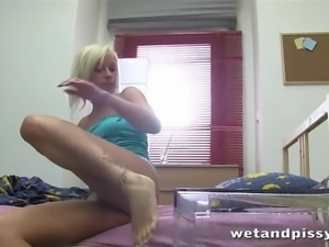 naomi gets into a wet and pissy mess