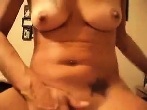 Hot cougar eating cock and squirts