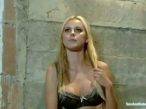Brown eyed blonde Jessie Rogers with big tits and nice