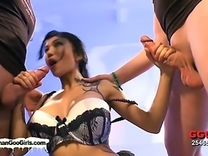 Asian vixen receives hardcore fucking