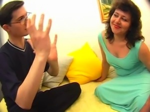 Russian mature moms in sperm! Amateur!