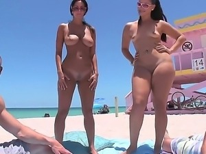 Smoking hot milf Ava Addams with jaw dropping knockers and provocative...