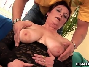 mature woman gets her saggy tits licked