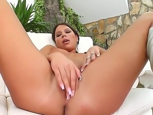 Hot babe in high heel boots Sonja enjoys rubbing her bald snatch. She fingers...