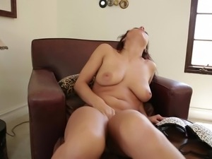 she knows how to blow a cock