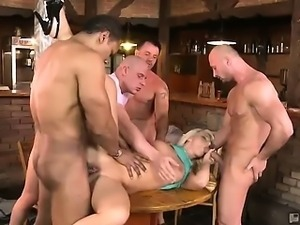 Mischel the waitress is all about providing top notch customer service. She's...
