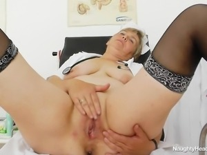 chunky nurse whore fingers herself