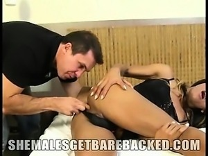 Horny shemale babe Lohara Lomark is in bareback action