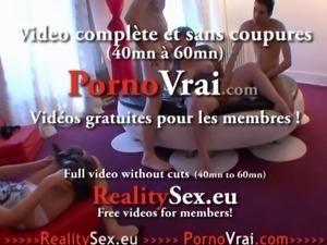 Grosse poilue cochonne avec une copine qui mate !! French amateur