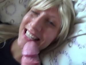 Blondine vollgewixxxt