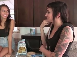 Emo lesbians janice and nikki