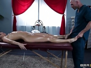 Johnny Sins makes scream and shout with his rock hard love torpedo in her booty