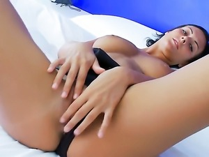 Adria wants this anal solo sex session to last forever