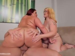 BBW sluts Lisa Canon and Kandi Kobain play rough